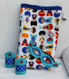 Children's Dressing up - Superhero Cuffs & Mask